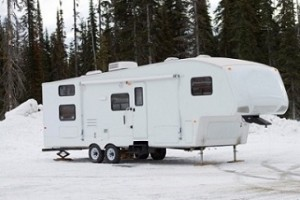 Fifth-Wheel-Camper-Winter-Camping5