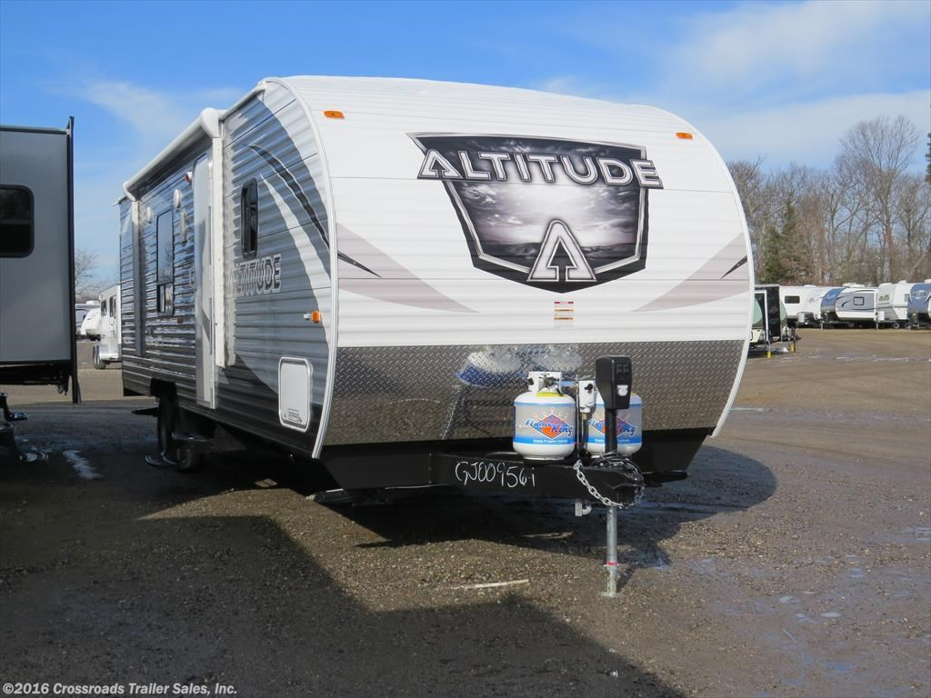 2016 CrossRoads Altitude 278 Toy Hauler with a GVW of 7,746