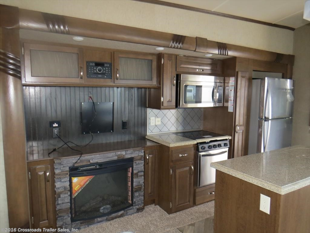 Crossroads Trailers - 2017 Forest River Cedar Creek Silverback 37MBH