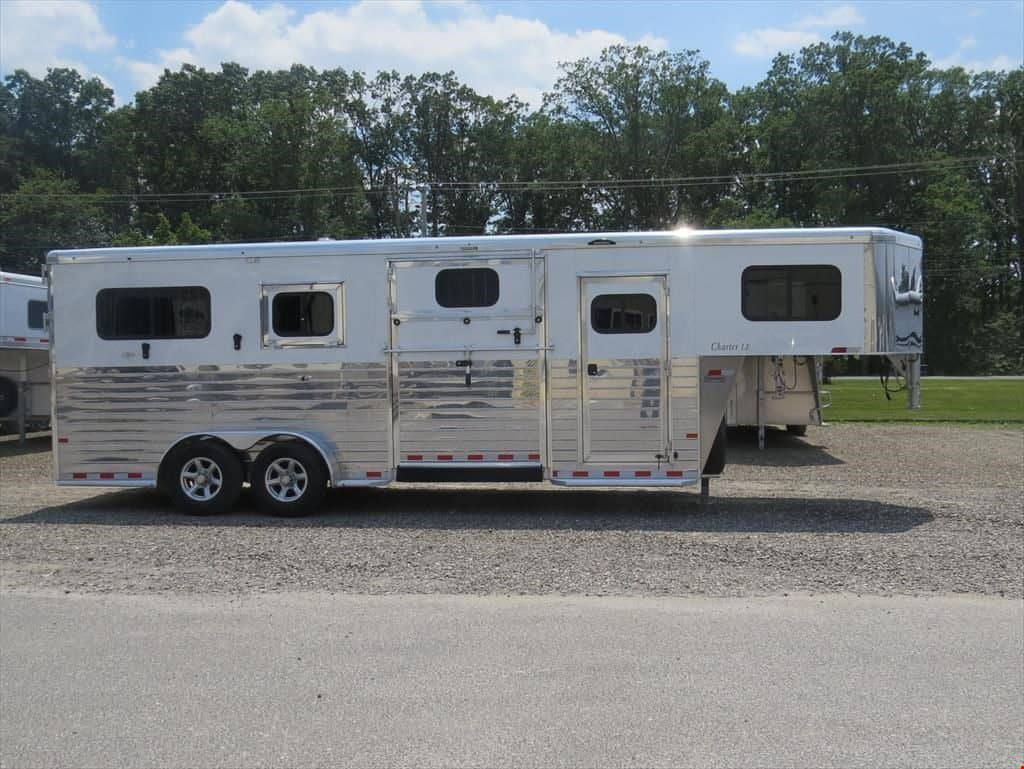 Sundowner Horse Trailer Gooseneck