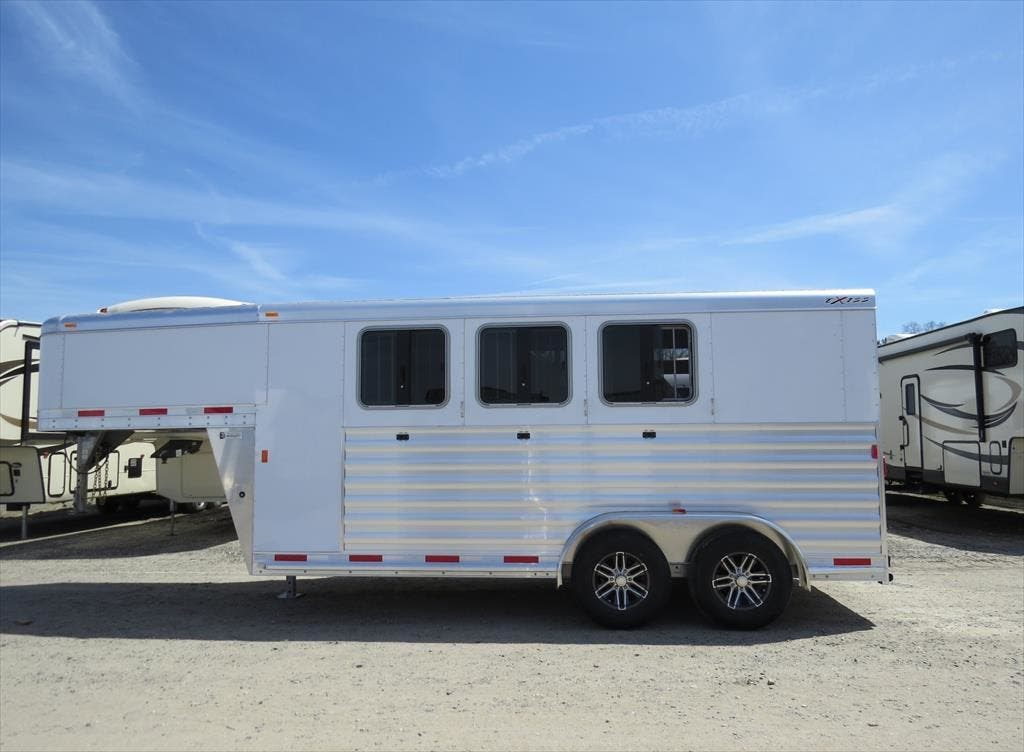 Exiss horse trailers